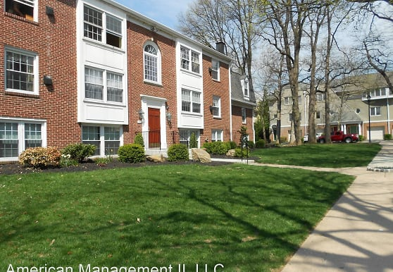353 Homeland Southway, Baltimore, MD