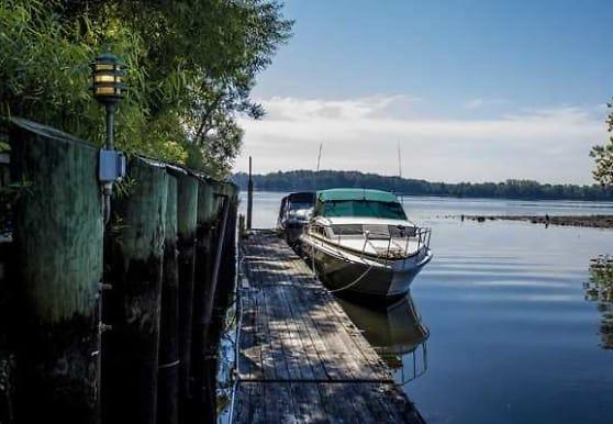 Salem Harbour Riverfront Resort, Bensalem, PA