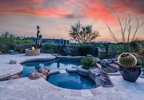 39658 N 106th St, Scottsdale, AZ