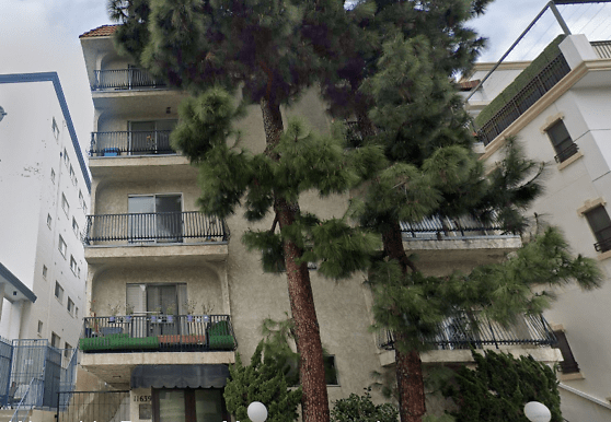 11639 Chenault St, Los Angeles, CA