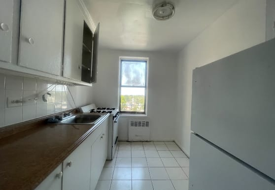 147-25 Northern Blvd 6W, Queens, NY