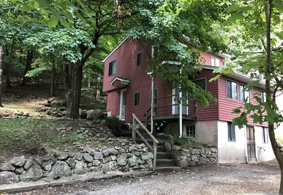 15 Dudley St, West Milford, NJ