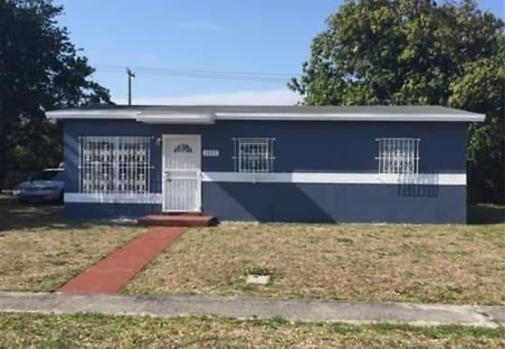 1327 Lee St, Delray Beach, FL