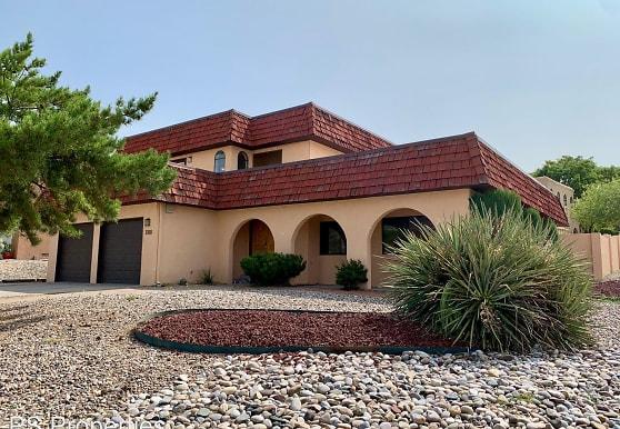 1200 Lawrence Ct NE, Albuquerque, NM