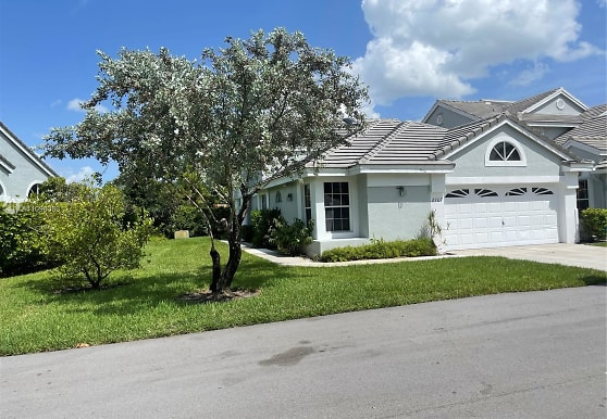 8707 Forest Hills Blvd 4-A, Coral Springs, FL