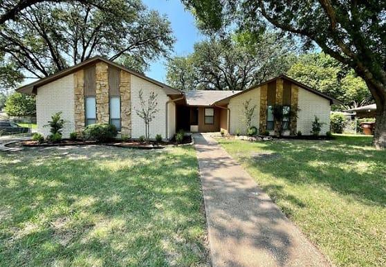 2301 Bowling Green St, Denton, TX