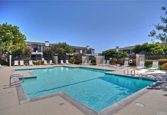 280 Cagney Ln 104, Newport Beach, CA