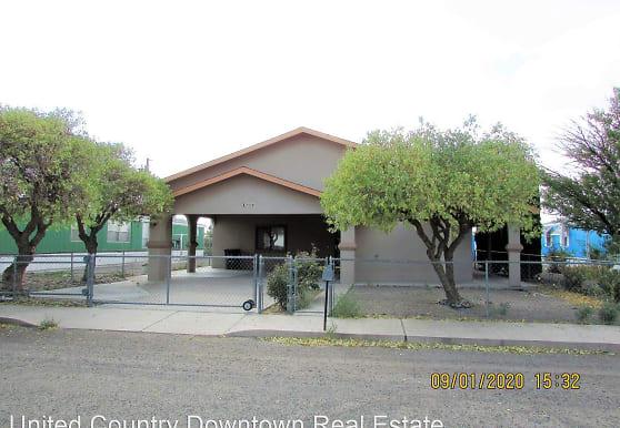 2116 Lori Dr, Deming, NM