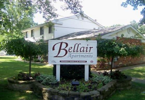 Bellair Apartments, Niles, OH
