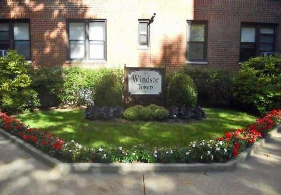 4 Windsor Terrace, White Plains, NY