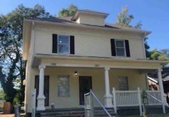 1195 Azalia St, Memphis, TN