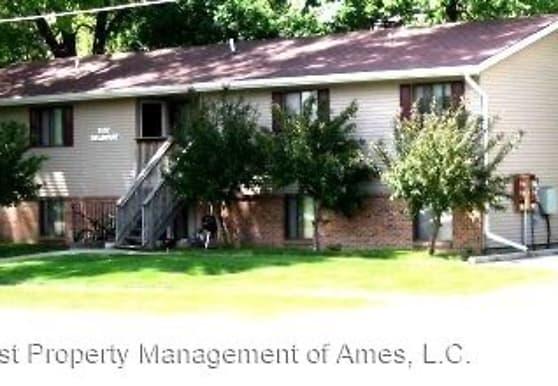 1502 Delaware, Ames, IA
