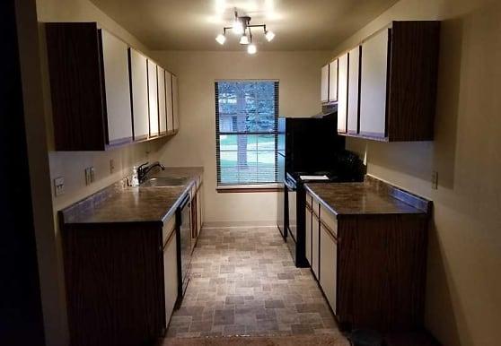 Castle Way Apartments, Saginaw, MI