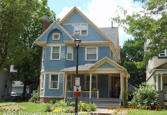 91 Wellington Ave, Rochester, NY