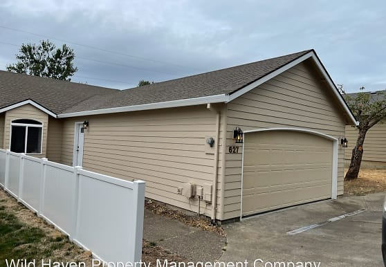 627 NW Meadows Dr, Mcminnville, OR
