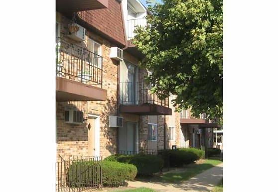 Briargate Apartments, Chicago Ridge, IL