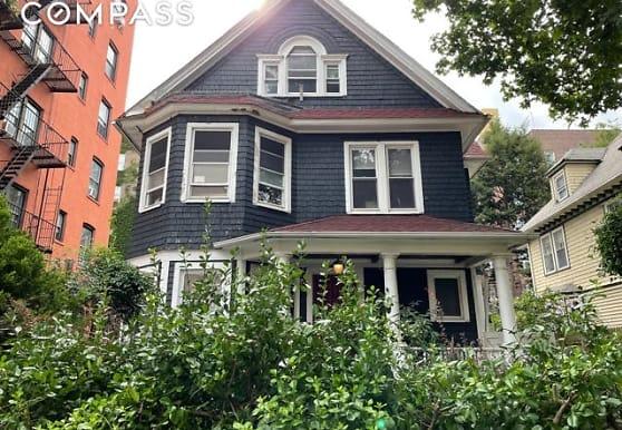 428 E 18th St 2, Brooklyn, NY
