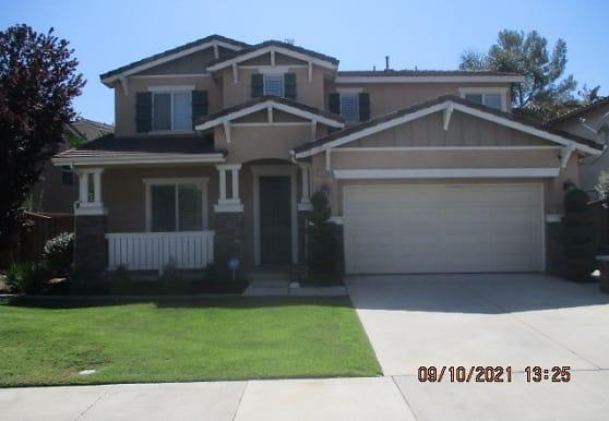 32059 Meadow Wood Ln, Lake Elsinore, CA