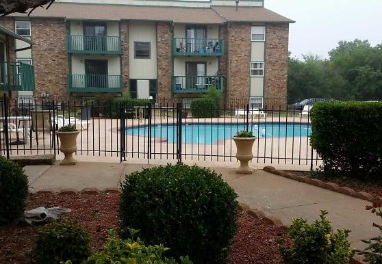 Indian Oaks Apartments, Enid, OK