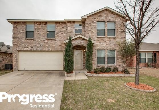 4049 Golden Horn Ln, Fort Worth, TX