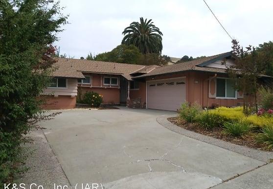 2527 Colusa St, Pinole, CA