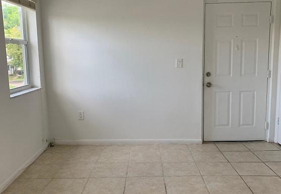 17500 NW 67th Pl, Hialeah, FL