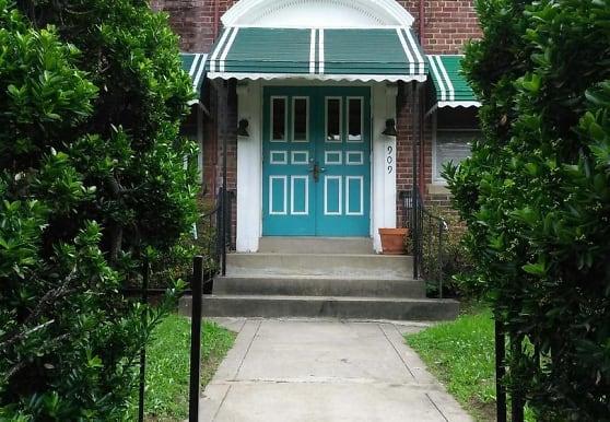 909 Quincy St NE 4, Washington, DC
