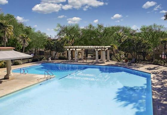 Villas of Castle Hills, San Antonio, TX