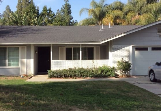 11271 Sweetwater Dr, Riverside, CA