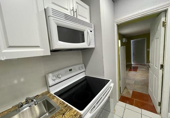 1157 W 32nd St C, West Palm Beach, FL