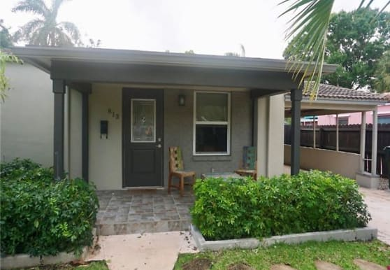 813 SW 9th Terrace, Fort Lauderdale, FL