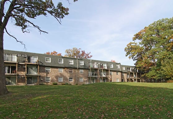 Scenictree Apartment Homes, Palos Hills, IL