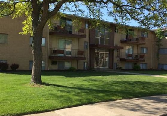 Kingston Place Apartments, Middleburg Heights, OH