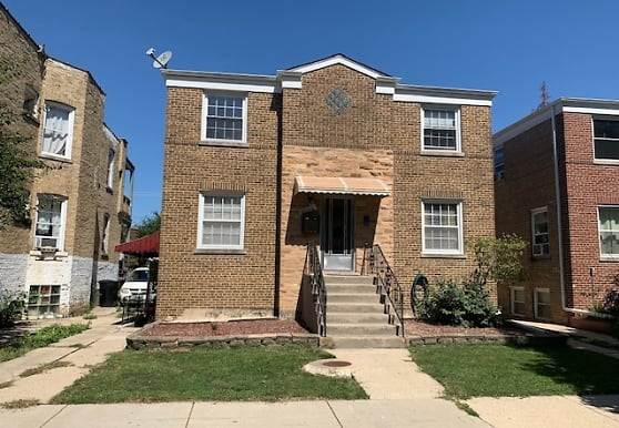 4912 W Eddy St 2W, Chicago, IL