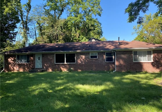 931 Fox Hill Dr, Indianapolis, IN