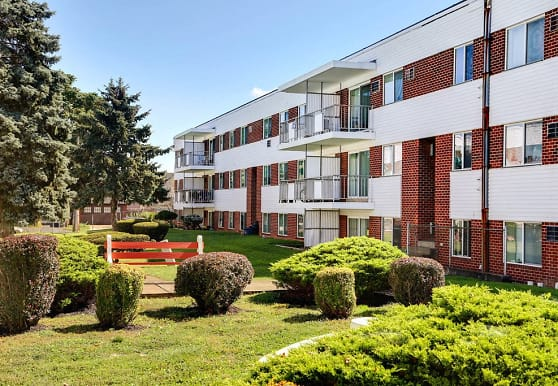 Washington Court Apartments, Easton, PA