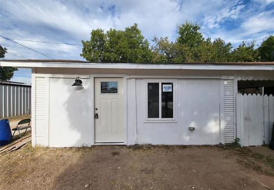 1720 Sandefer St B, Abilene, TX