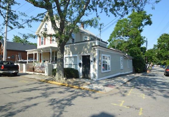 83 3rd St, Newport, RI