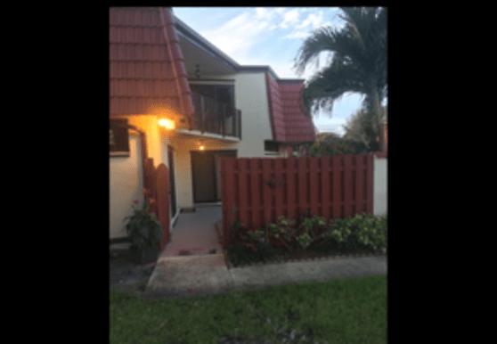 3724 Victoria Dr, West Palm Beach, FL