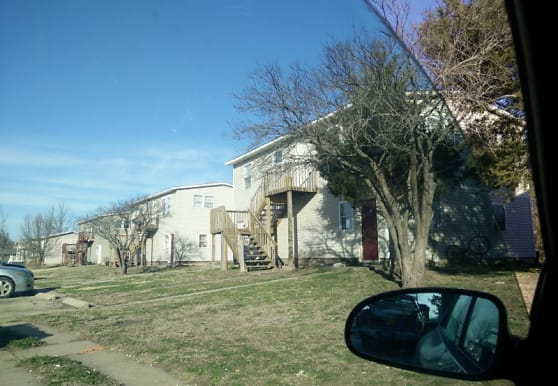 1010 Kim St, Halstead, KS