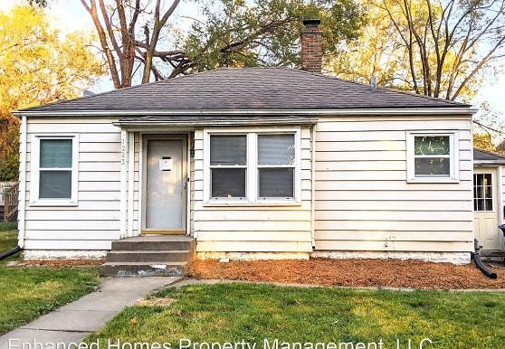 1223 Warren St, Davenport, IA