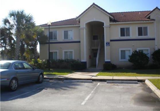 1049 Golden Lakes Blvd 111, West Palm Beach, FL