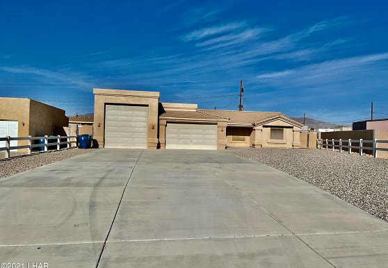 2305 Pennant Ln, Lake Havasu City, AZ
