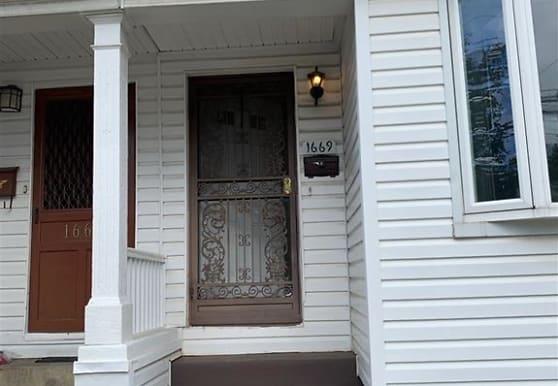 1669 E 53rd St, Brooklyn, NY
