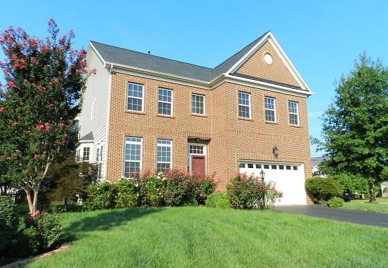 8 Manorwood Dr, Fredericksburg, VA