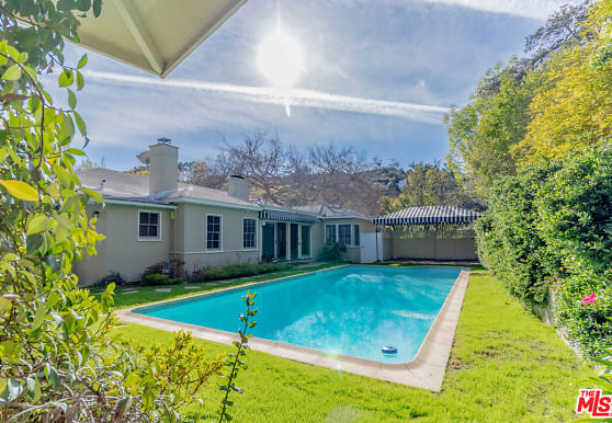 2202 Beverly Glen Pl, Los Angeles, CA