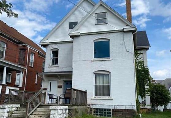 1206 Highland Ave, New Castle, PA