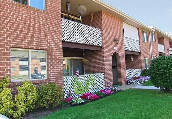 Delbrook Manor Apartments, Mechanicsburg, PA