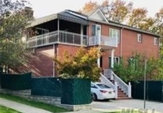 77-16 Kew Forest Ln, Queens, NY