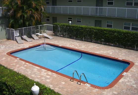 2040 N Douglas Rd 202, Pembroke Pines, FL